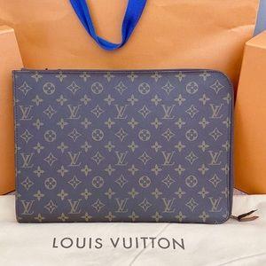 Louis Vuitton Bags - 💎✨LAPTOP CASE✨💎 Louis Vuitton Monogram Holder!